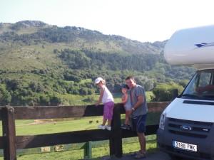 Autocaravana en familia en el Parque de Cabárceno